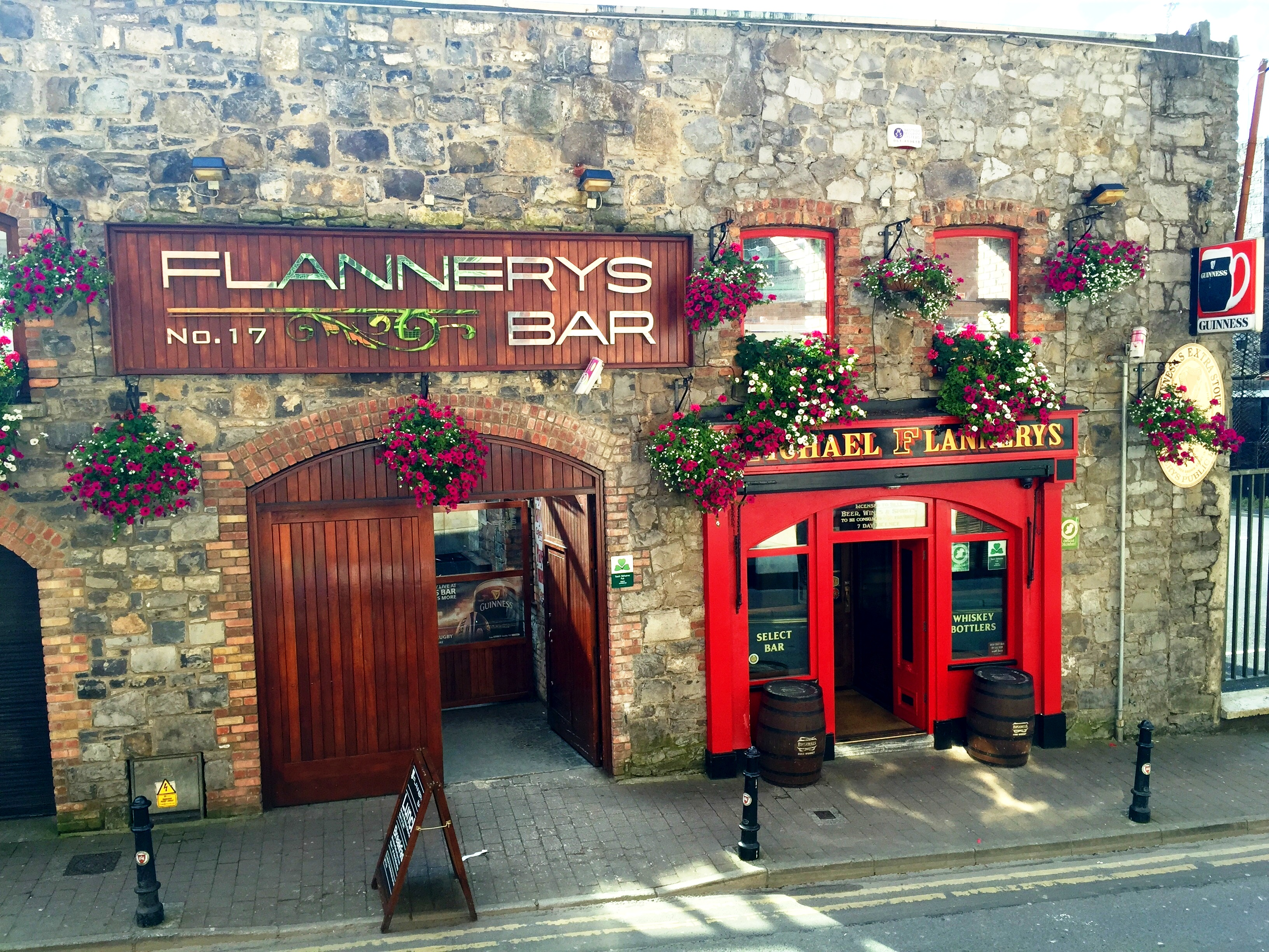 Home Flannerys Bar